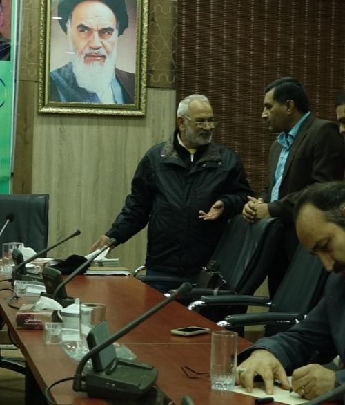 بازخوانی یک گفت و گو در تارنمای جنوب با زنده یاد قاسم آهنین جان شاعر، منتقد ادبی و سینماگر خوزستانی: همیشه، جهان مدیون شاعران است